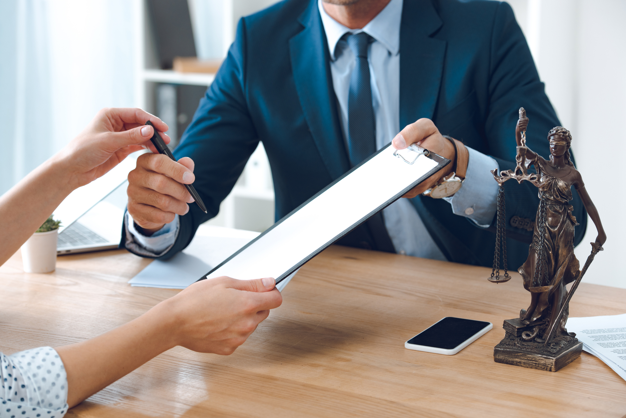 Image of lawyer assisting Executor of a will